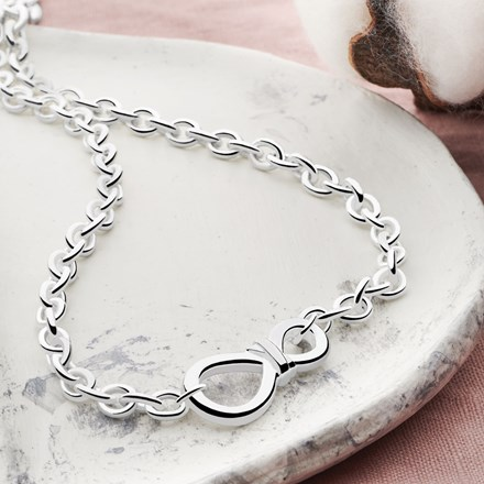 Infinity Knot Chain