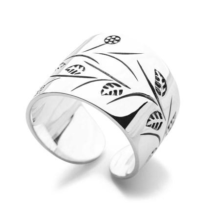 Ivy Row Ring