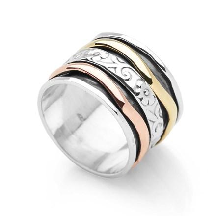 Petalique Spin Ring
