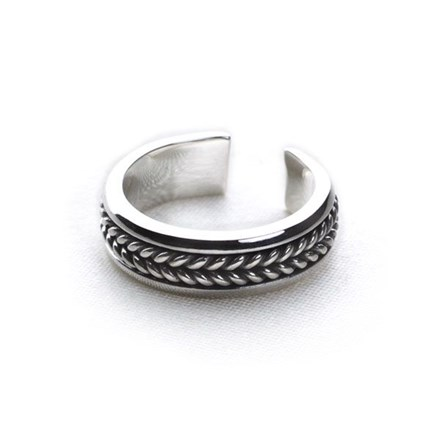 Artisan-Crafted Toe Ring